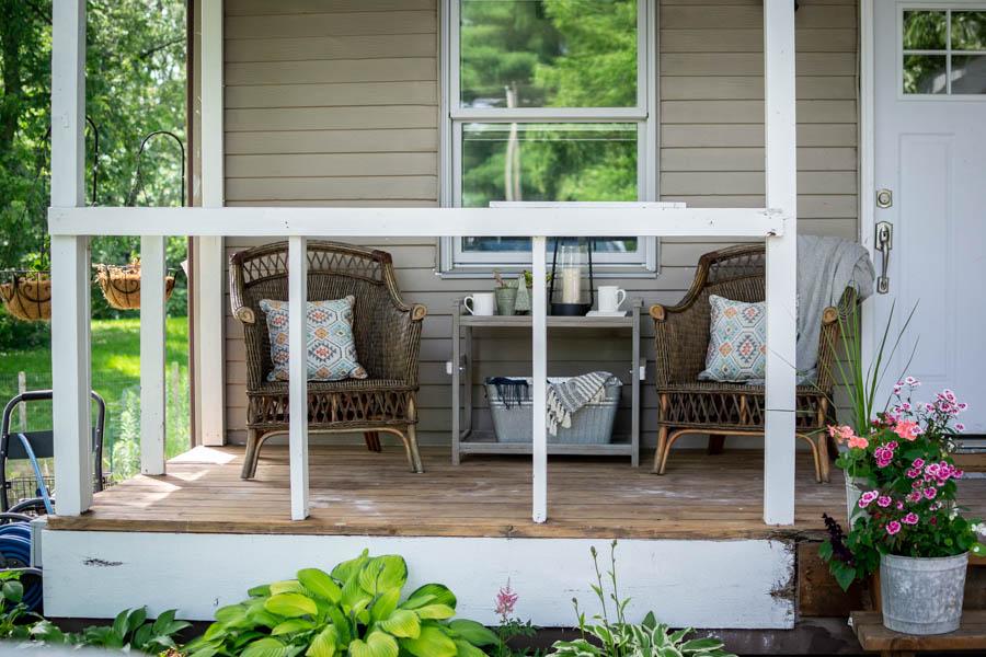 Colorful Summer Porch Decor