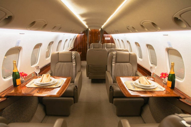 Embraer-Legacy-Private-Jet-Cabin-3-768x512