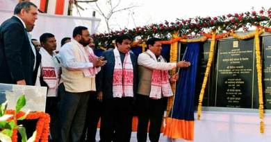 Assam: Gadkari, Sonowal lays foundation of Majuli anti-erosion projects