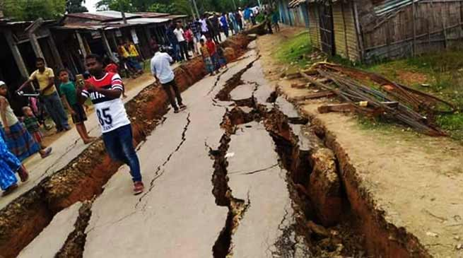 Assam: 5000 villagers afraid as Cracks due to erosion appear in Hartikar Village