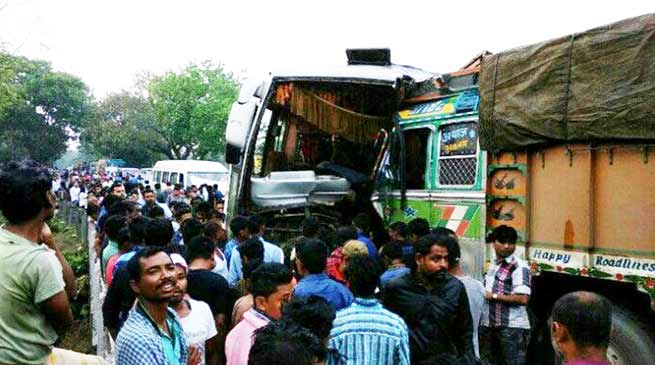 Assam: Bus, Truck Collide near Kaziranga, 10 Injured
