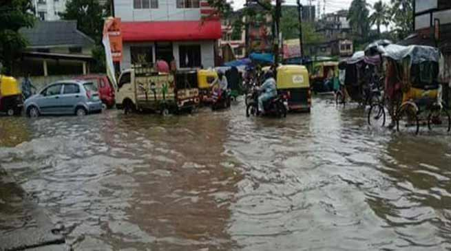 Assam: Flood hits 60 thousand people in Hailakandi