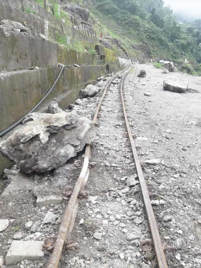 Himalayan Railway suspends NJP-Darjeeling toy train service for 4 days