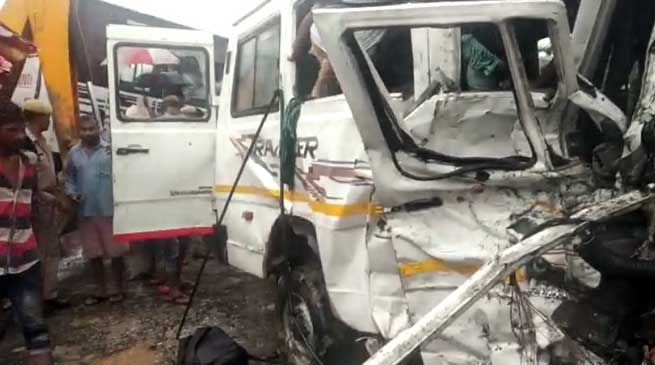 Assam: 9 Dead, 15 Injured In Bus-Traveller  Collision In Demow