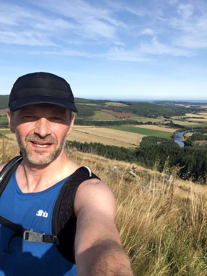 A Virtual Glenlivet 10k runner on his way between Fochabers and Aberlour.