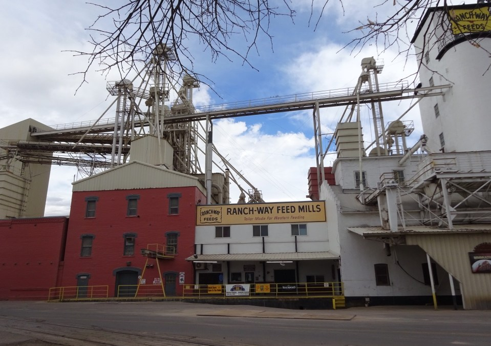 The Lindell Mill – Ranch-Way Feeds