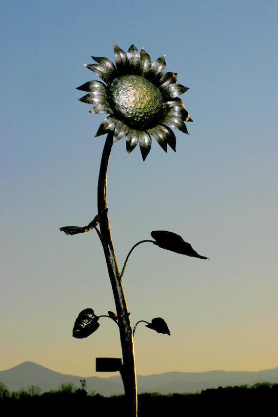 Handmade Metal Sunflower Northern Crescent Iron