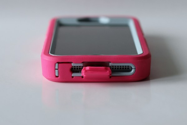 otterbox_defender_roze_review_iphone_5_laden