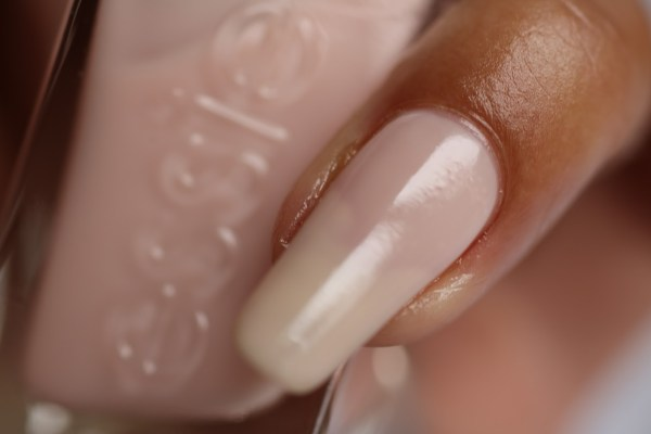 4-close-up-fairy-tailor-review-ervaring-ervaringen-essie-new-collection-gel-look-2016