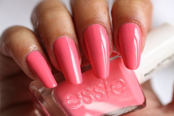6-essie-signature-smile-brilliantnails-review-ervaring-ervaringen-essie-new-collection-gel-look-2016