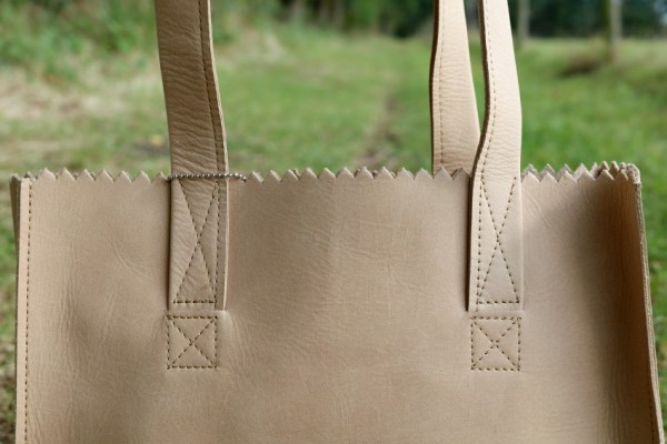 review-ervaring-leer-myomy-paper-bag-blog-blogger-foto-draag-dragen