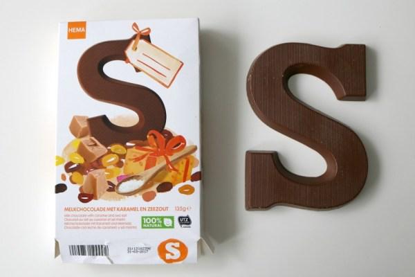 karamel-en-zeezout-chocoladeletter-hema-doosje