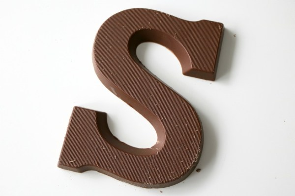 karamel-en-zeezout-chocoladeletter-lidl-letter