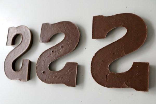 karamel-en-zeezout-chocoladeletter-rijtje