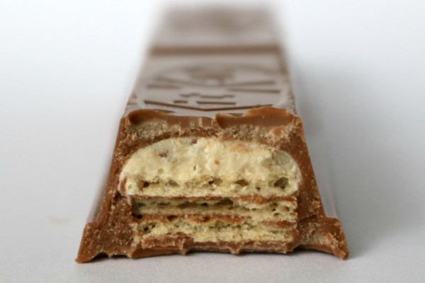 kitkat-chunky-cookie-dough-vies