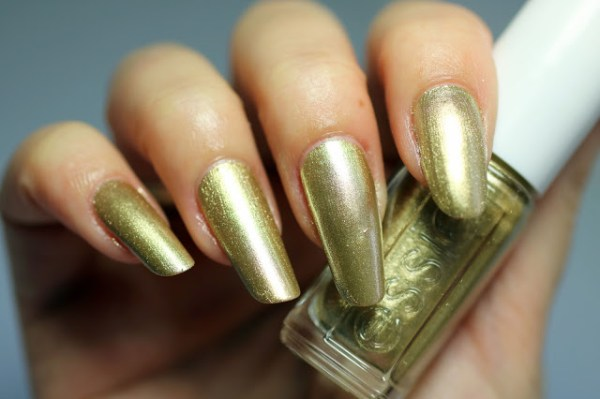 essie getting groovy goud gold winter collectie collection 2016 2017
