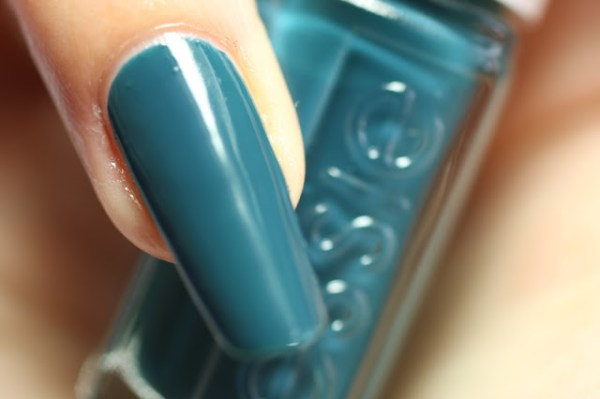 essie teal satin sister winter collectie collection 2016 2017 swatch