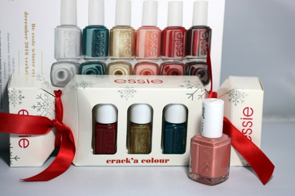 essie winter collectie collection 2016 2017 swatch swatches on nails nagels