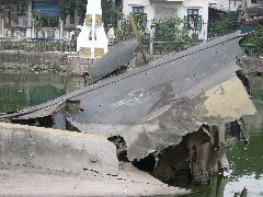 B52 wreckage Hanoi