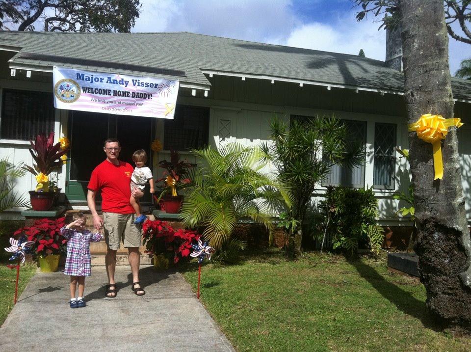 Welcome Home in Hawaii (December 2011)
