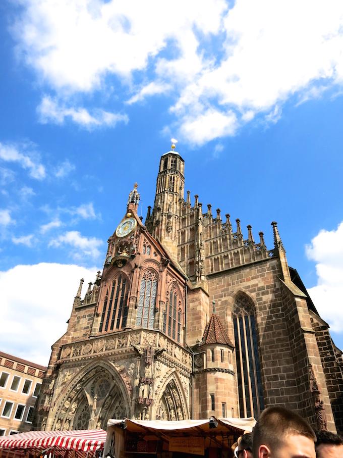 Nürnberg Ostermarkt cathedral