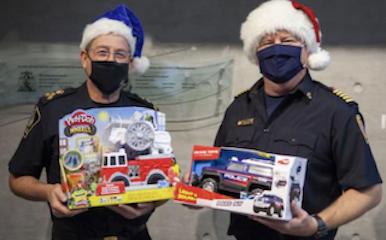 https://i2.wp.com/www.northshoredailypost.com/wp-content/uploads/2020/11/West-Van-police-gift-drive.png?fit=386%2C240&ssl=1