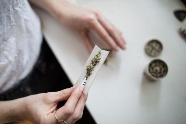 https://i2.wp.com/www.northshoredailypost.com/wp-content/uploads/2021/03/British-Columbia-cannabis-use-pregnant-women.jpg?fit=600%2C399&ssl=1