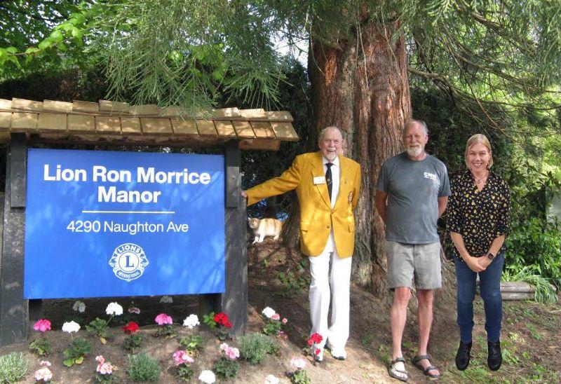 https://i2.wp.com/www.northshoredailypost.com/wp-content/uploads/2021/04/Lion-Ron-Morrice-Manor.jpg?fit=800%2C548&ssl=1