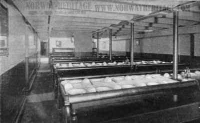 https://i2.wp.com/www.norwayheritage.com/gallery/gallery/Steamship_Companies/Cunard_Line/saxonia-ivernia-steerage-dining.jpg