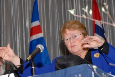 "Brundtland speaking at ""Nordic Investment Bank Economic Colloquium 2008"" at Scandinavia House in New York City. Photo: Tina Buckman."