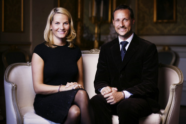 Their Royal Highnesses The Crown Prince and Crown Princess. Photo: Jo Michael, The Royal Court.