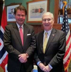 Barry White (right) US Ambassador to Norway together with Consul of Norway Kim Nesselquist at a lunch organized for local business people.