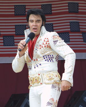 Left: Kjell Elvis, who was born in Farsund and raised in Vanse, is the only full-time Elvis impersonator in Scandinavia. He delights the crowds every year at the American festival. Photo: Photo: Karin Lundekvam