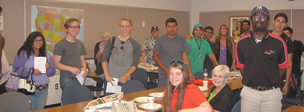Photo: David Moe Students and community members meet at San Jacinto Community College for pizza and deep thoughts.