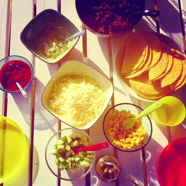 @eliseland: #fredagstaco på terassen i 25 grader og SOL #helg #fredag #taco #bodø #sol #godhelg