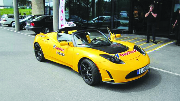Photo: siggywinter / Wikimedia Commons The Tesla Roadster is so popular in Norway that it's even used as a Taxi in Oslo.