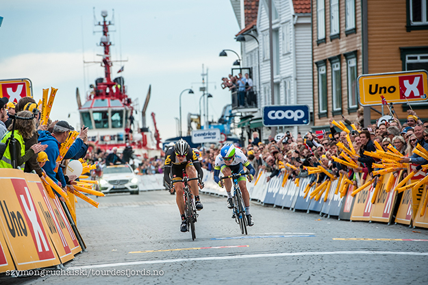 Photo: Szymongruchalski / Tourdesfjords.no Boasson Hagen crosses the finish line first in stage five.