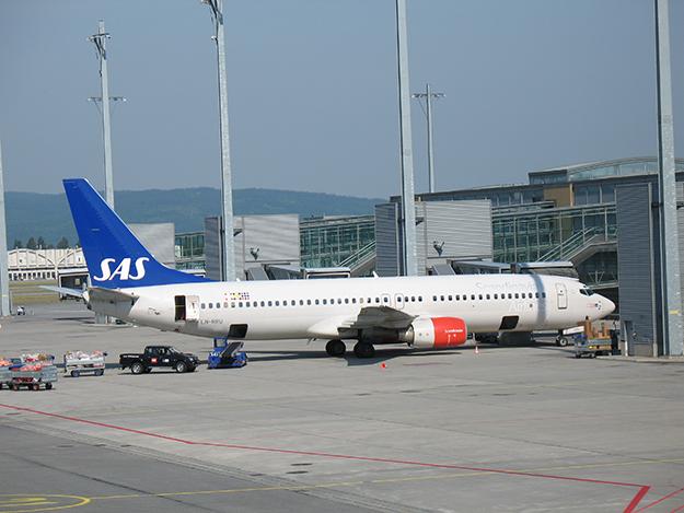 Photo: Kjetil Ree / Wikimedia Commons SAS Boeing 737-883 registration LN-RRU at Gardermoen, Norway's gateway airport.