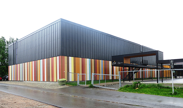 Photo: Bjoertvedt / Wikimedia Commons Oslo International School, a school for children of foreign expats in Norway.