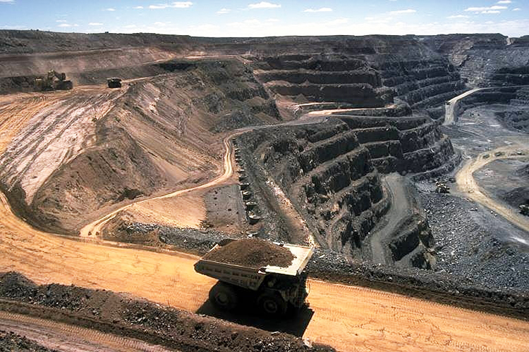 Photo: Komencanto~commonswiki / Wikimedia Commons Coal mining is arguably one of the most environmentally damaging pursuits.