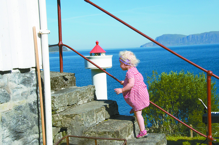 Photo: Sølvi Hopland Aemmer The lighthouse is a family-friendly place for a calm vacation.