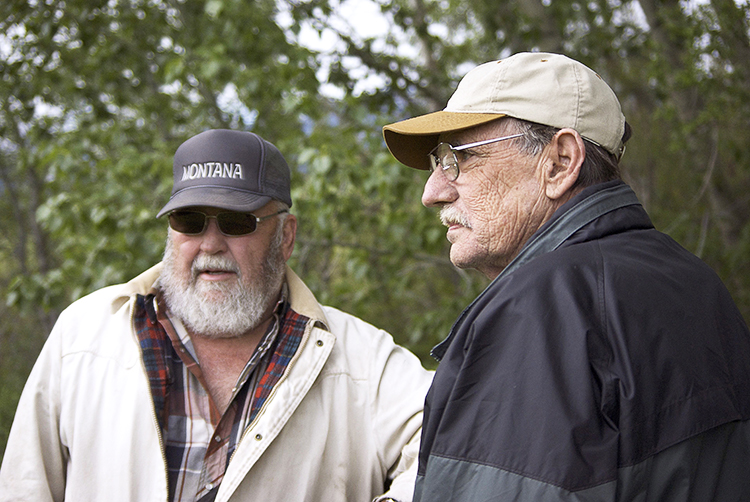 Photo: Lynette Zwerneman Dr. Larry Lahren (left) and Jerry Brekke (right).
