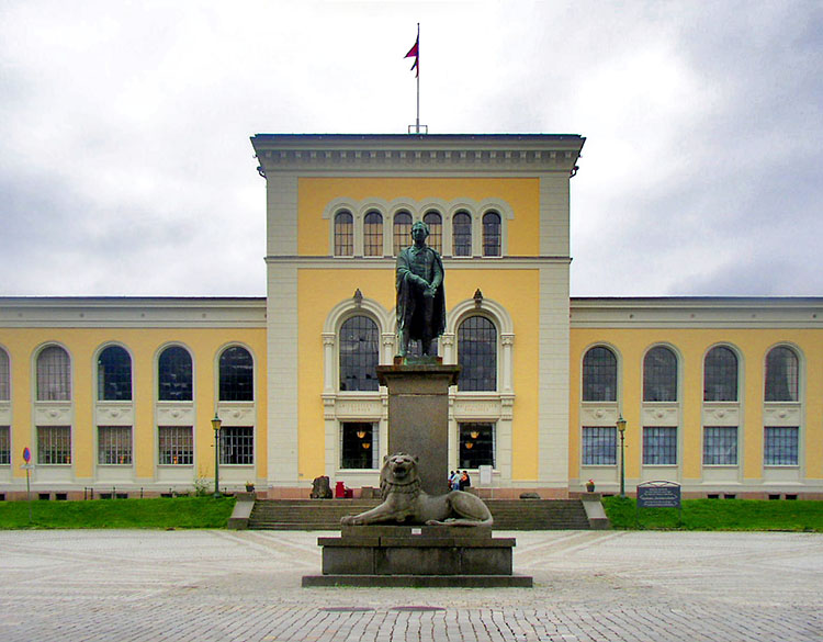 Photo: Floflo / Aqwis / Wikimedia Commons Bergen Museum, a part of the University of Bergen. The school's Bergenstest was until recently the highest test of Norwegian proficiency available.