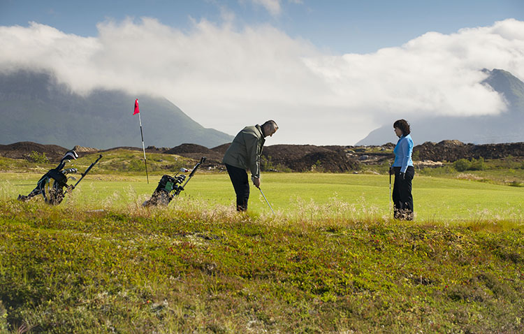 Photo: CH / Visitnorway.com Lofoten Links was named one of the world's best new golf courses in the 2015 World Golf Awards.