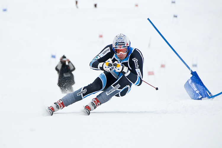 Aksel Lund Svindal in training in 2010. He is currently struggling to return from a knee injury.