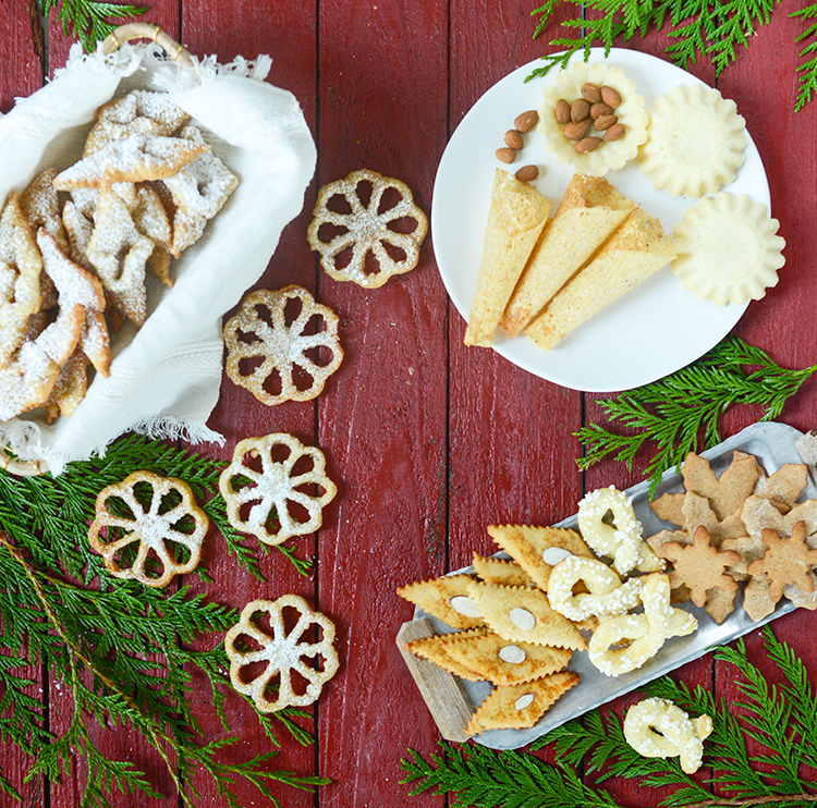 Syv slags kaker, or the seven kinds of Christmas cookies.