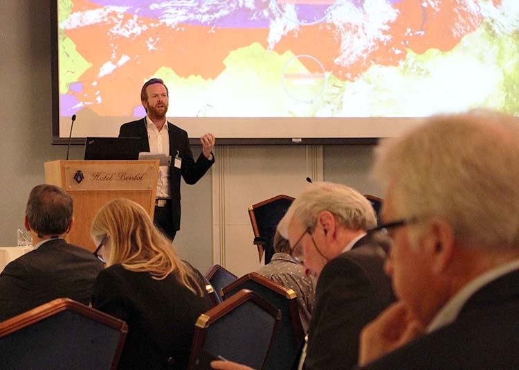 Geir Aas moderates the NORRUSS research conference in Oslo in May