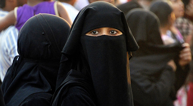 face-covering veils