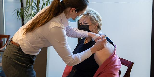 solberg gets the coronavirus vaccine