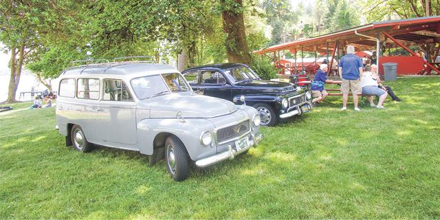 two classic volvos on display at Vasa Park Resort